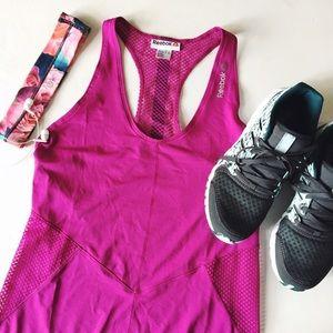 {reebok} 🌿 pink mesh side activewear tank