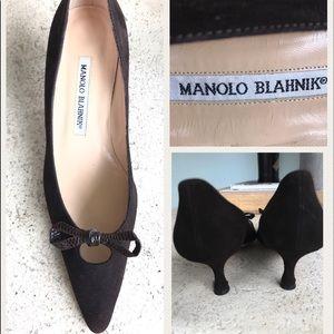 Manolo Blahnik Shoes - Manolo Blahnik Chocolate Suede Kitten Heels SIZE 6