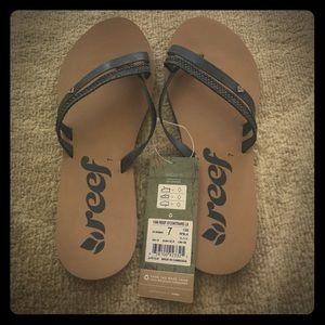 Reef Shoes - Reef slippers size 7 flip flops