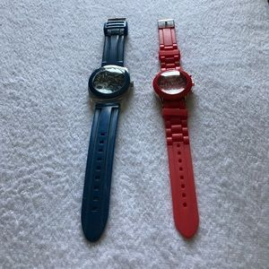 2 fashion watches.