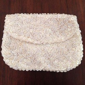 Handbags - Vintage white beaded bag