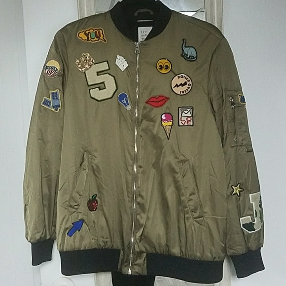 cea4e1587 Zara satin bomber with patches and pins