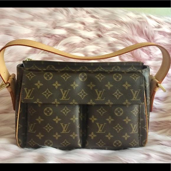 Louis Vuitton Handbags - 💯% Authentic Louis Vuitton Viva Cite Gm bdedc1841b544