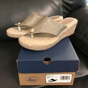 Bass Shoes - Bass Opal Gold  Thong Wedges😍