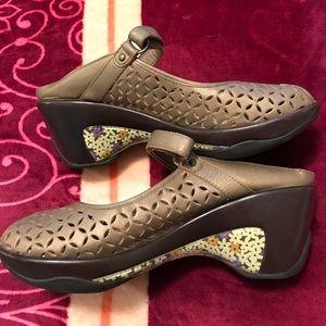 Jambu Shoes - Jambu sport wedge shoes well made comfy 9M