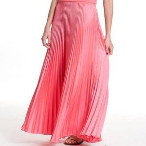 Tracy Reese Dresses & Skirts - NWT TRACY REESE Pleated Maxi Dress