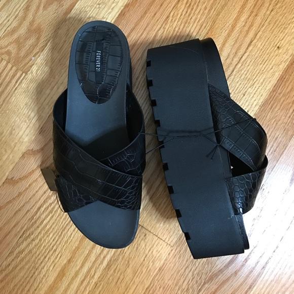 d8c9faf1b0db NEW Forever 21 platform crocodile slides sandals