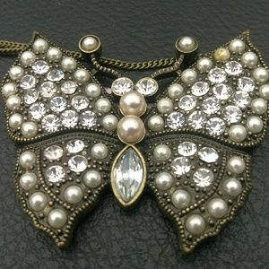 Jewelry - Bezzled butterfly necklace