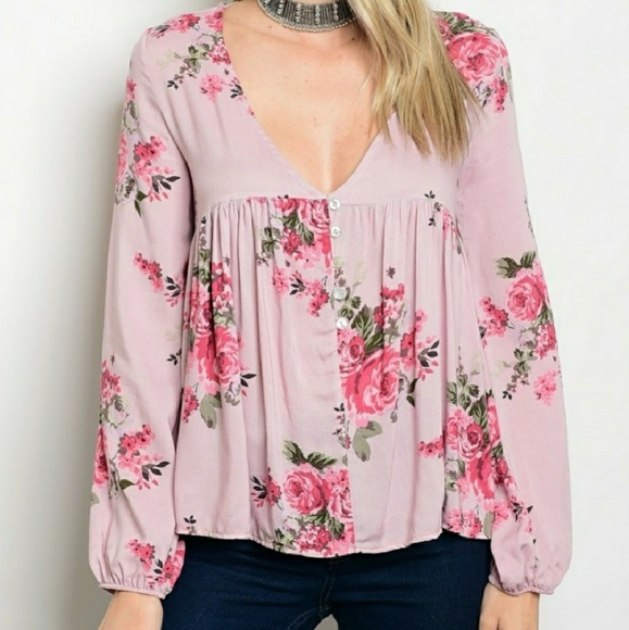 LAST SMALL. NWT! MAUVE FLORAL BELL SLEEVE TOP!