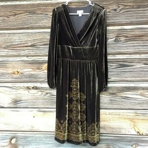 Anne Taylor Dresses & Skirts - Anne Taylor Loft Brown Velvet Long Sleeve Dress