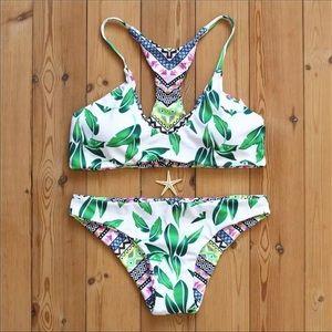 Other - 🌸 womens reversible leaf pattern bikini padded
