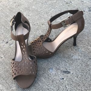 EUC Franco Sarto laser cut leather heels 8.5