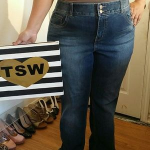 LANE BRYANT JEANS BOOTY CUT TIGHT TUMMY SIZE 16