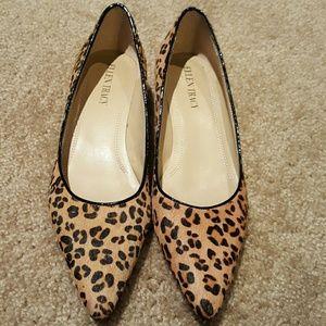 Ellen Tracy Cheetah Print Kitten Heels sz 6.5