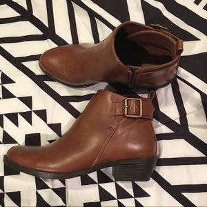 Forever 21 brown ankle buckle boots NWOT 5.5