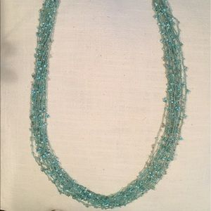 Jewelry - Turquoise mesh look beaded necklace