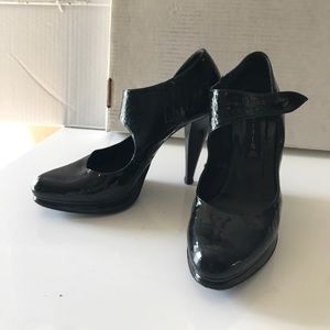 Steven patent heels size 39 US 8 or 8 1/2