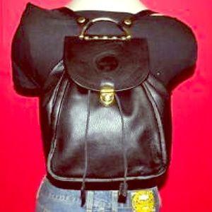 Valentina Handbags - 💯 authentic // Valentina \\ leather backpack