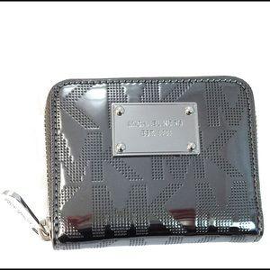 7024c590486b Buy mk bifold wallet > OFF65% Discounted