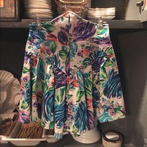 Dresses & Skirts - Vintage high waisted floral circle mini skirt 4/6