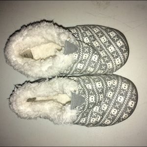 TOMS Other - TOMS Tiny House Slippers New Size 7 Months