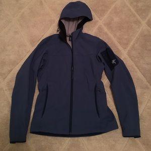 Arc'teryx Jackets & Blazers - Water resistant Arc'teryx jacket