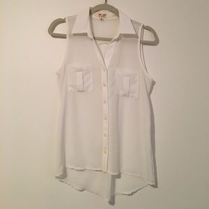 Reformation Tops - Sleeveless white blouse with front pockets