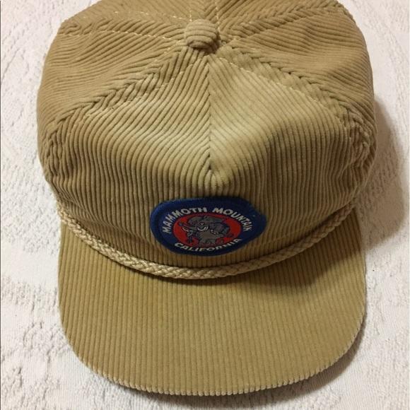 Vintage Corduroy Mammoth Mountain California Cap. M 592a419d6802786f4f02b5ff 4009d43f1