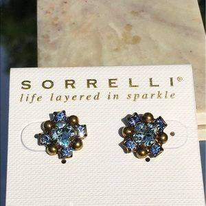 Sorrelli Jewelry - Sorrelli super sparkly blue posting earrings!