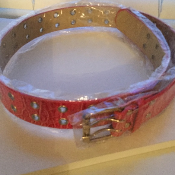 Boutique Accessories - Pink Leather Alligator Grain Belt