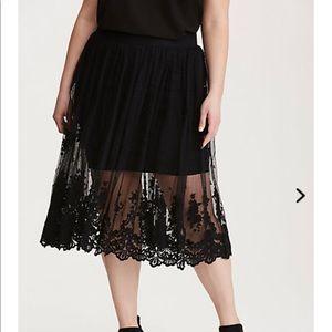 torrid Dresses & Skirts - Torrid Embroidered Tulle Skirt NWT