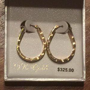 Jewelry - NWT 10K gold earrings
