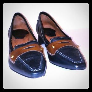 Johnston & Murphy Black/Brown Penny Loafer