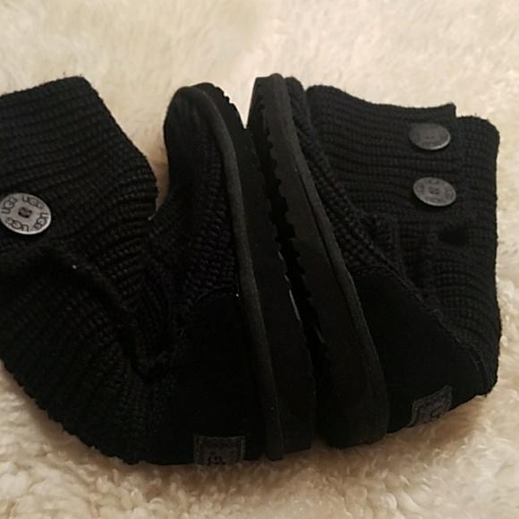black sweater uggs cheap