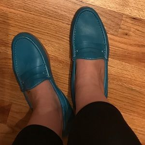 Johnston & Murphy Shoes - Johnston& Murphy Turquoise Blue Leather Loafers😍