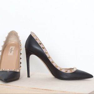 Valentino Rockstud nude & black heels sz 40 / 9/10