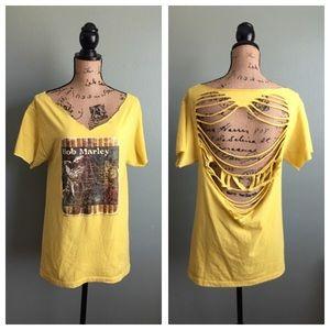 Tops - Bob Marley medium yellow distressed concert tee!