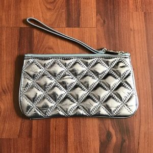 Marc Jacobs Handbags - Marc Jacobs clutch/wristlet