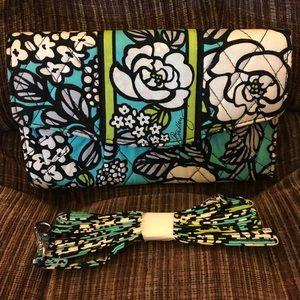 Vera Bradley Handbags - NWOT Vera Bradley Strap Wallet
