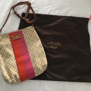 kate spade Handbags - Kate Spade Cross body bag