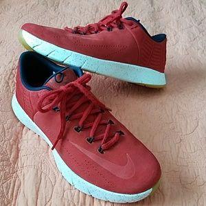 Nike Mens Sz 11 Basketball Shoes New