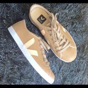 Veja Shoes - NWOB Veja Tauá Sneakers Tan/Nut Brown Peach 6 EU37