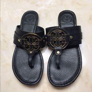 Tory Burch Shoes - Tory Burch Amanda Flat Thong EUC