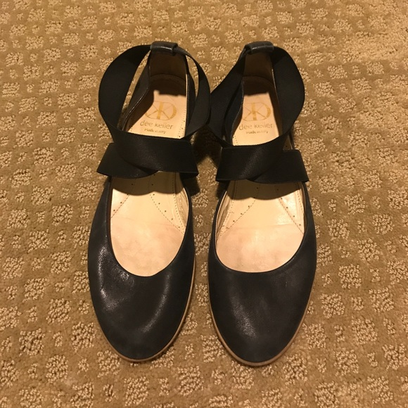 Dee Keller Shoes - Dee Keller Sandy cross cross black flats