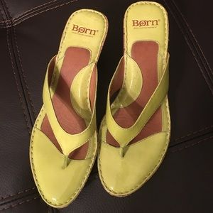 Size 9 Bright Yellow Leather/Cork Born Sandals