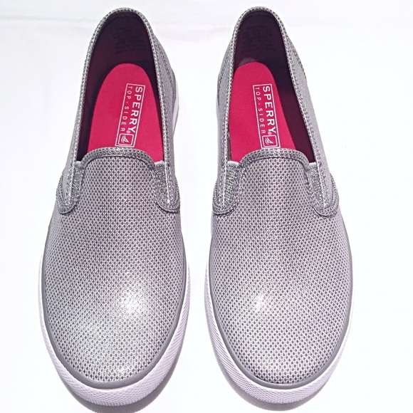 6ca30c008f1ec9 NWT Sperry Girls slip on Boat shoes sneakers