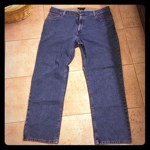MEN'S 40/32 TOMMY HILFIGER • Relaxed Freedom Fit