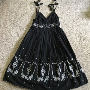 Do & Be Dresses & Skirts - Black flowy sundress with embroidered detail