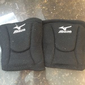 Mizuno Other - Mizuno volleyball knee pads