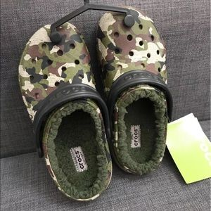 CROCS Other - NWT Kids Crocs size 1! 💚